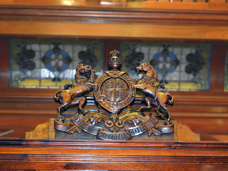 Wooden United Kingdown coat of arms